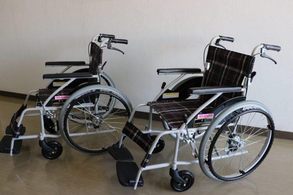生命保険協会  兵庫県協会様より車椅子を寄贈いただきました。